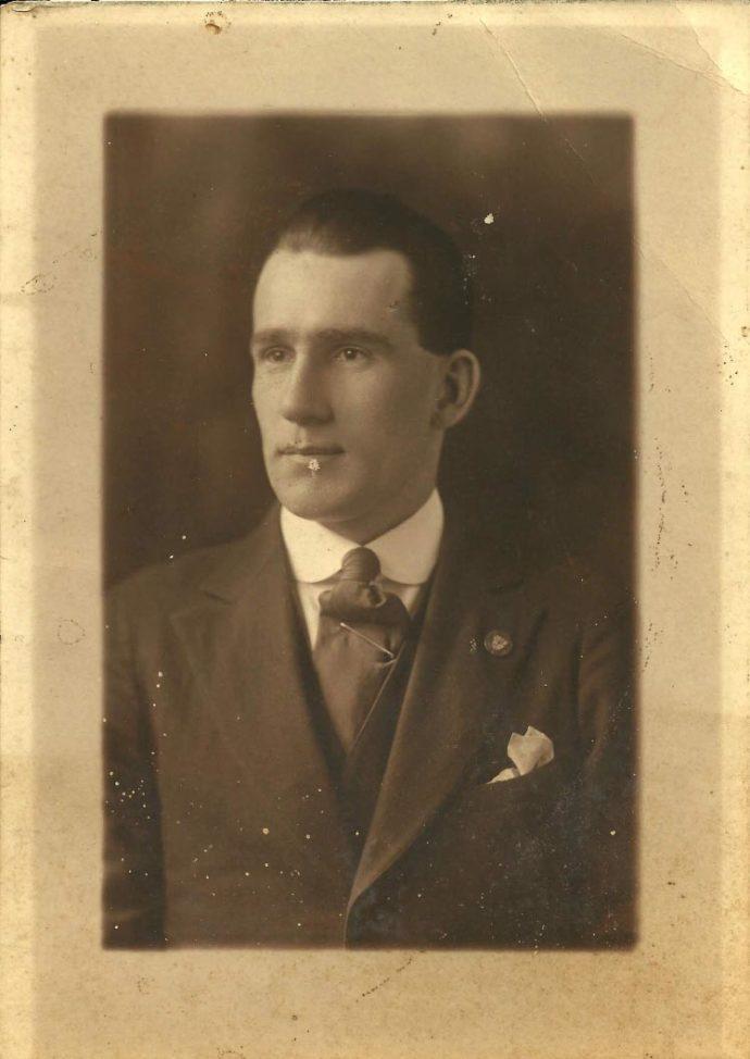 Henry Selman Leach